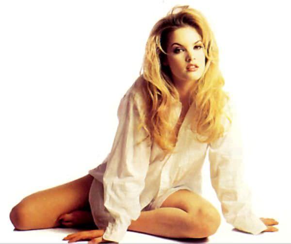 Бриджит Уилсон фотография в белой рубашке