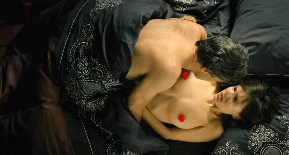 Елена Анайя фото в кровати