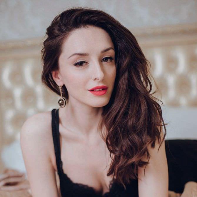 Юлия Майборода фото в чёрном нижнем белье