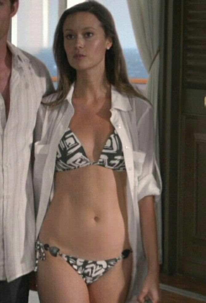 Саммер Глау фото из фильма в купальнике