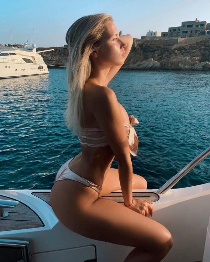 Полина Малиновская фото в бикини на отдыхе