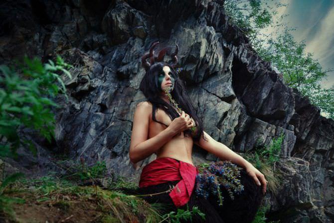 Елена Самко фото в образе демона на природе