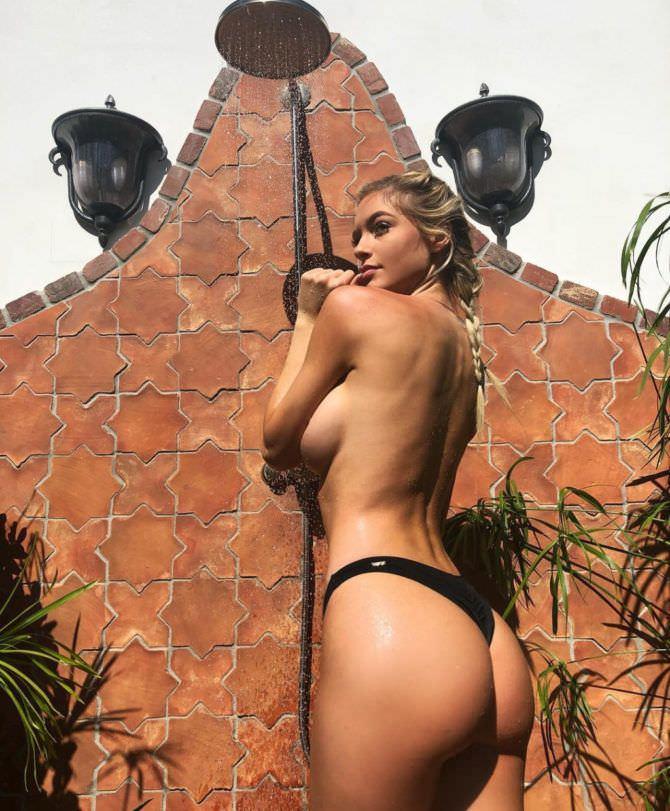 Ханна Палмер фото в чёрных плавках