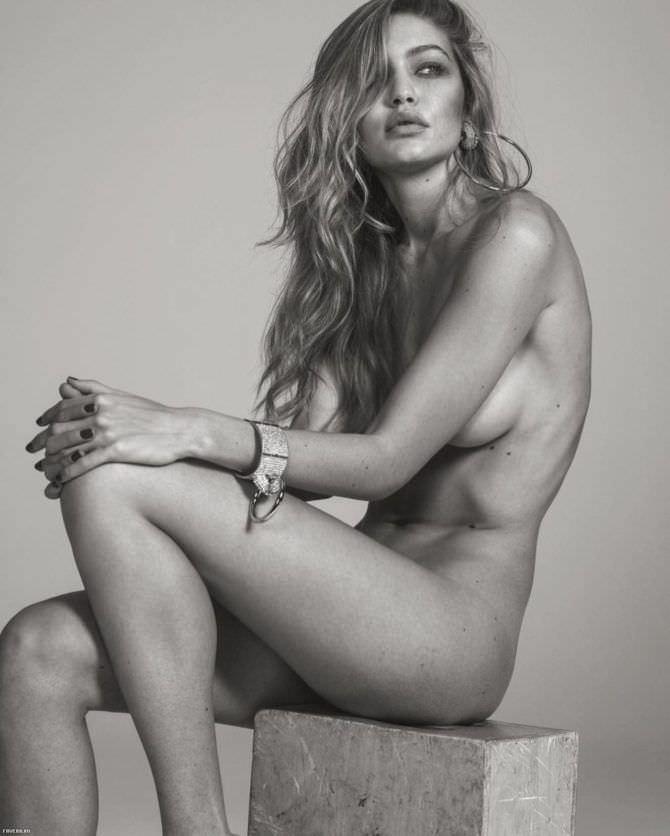 Джиджи Хадид чёрно-белое фото без одежды