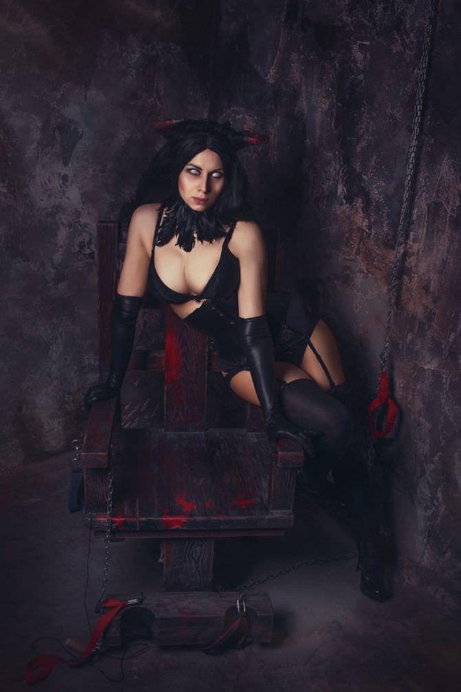 Елена Самко фото в чёрном костюме демона