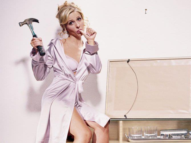 Сара Мишель Геллар фотография в розовом халатике