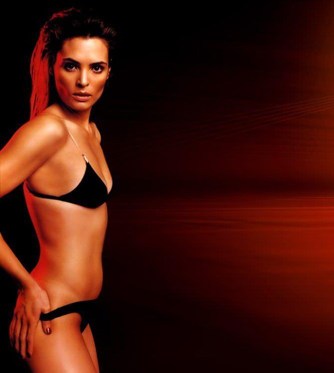 Талиса Сото фото в чёрном бикини