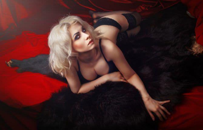 Елена Самко фото в чёрном нижнем белье