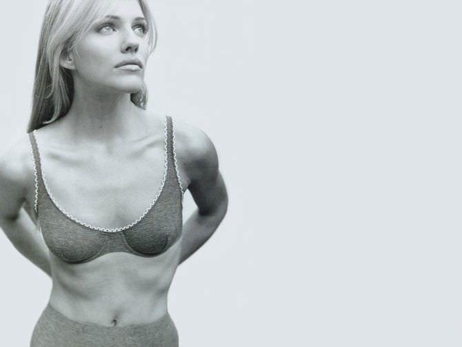 Триша Хелфер чёрно-белое фото в белье