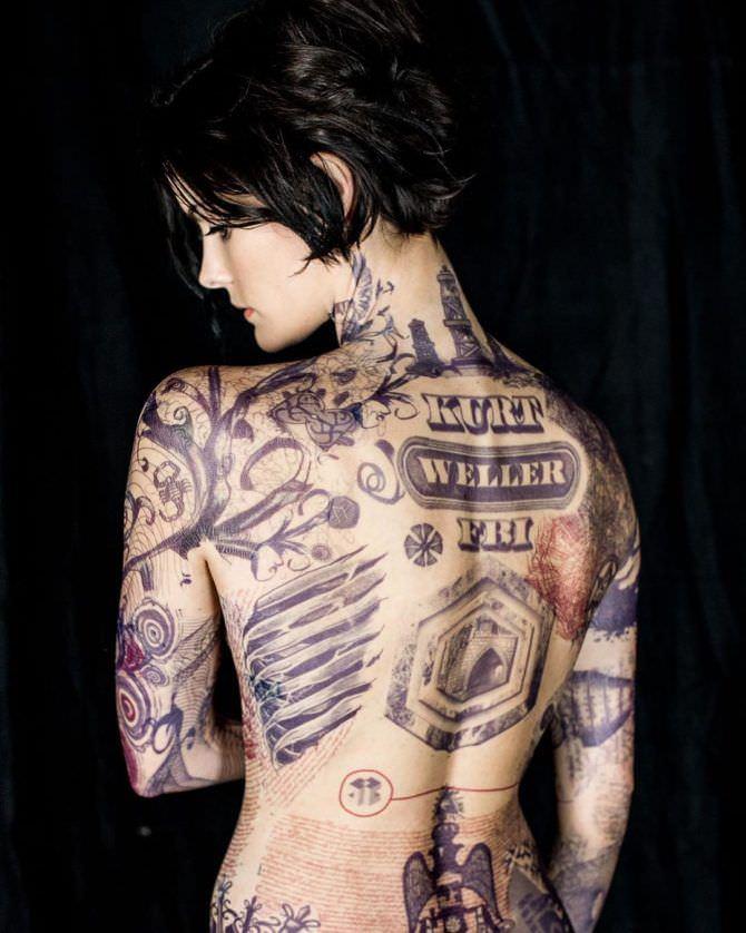 Джейми Александер фото с нарисованными татуировками