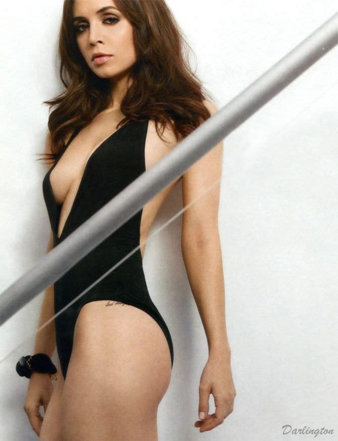 Элиза Душку фотография в чёрном купальнике