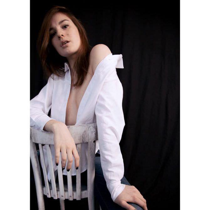 Изабель Эйдлен фото в белой рубашке