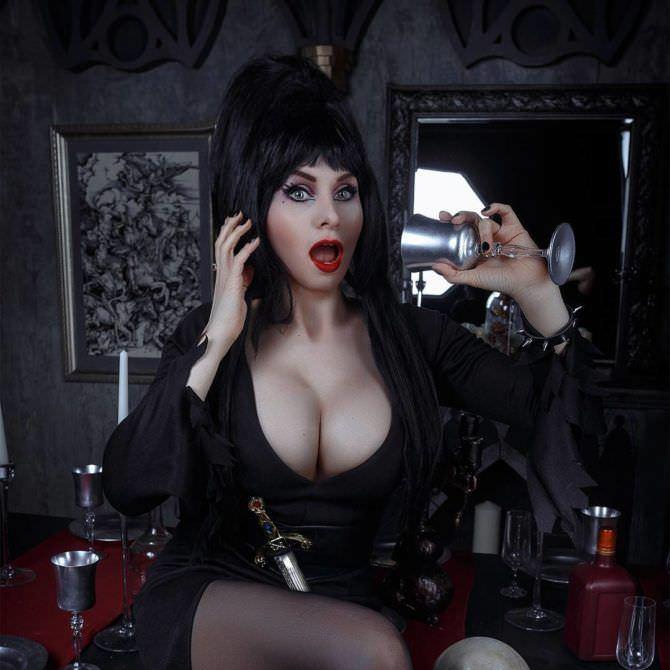 Елена Самко фото в костюме Эльвиры