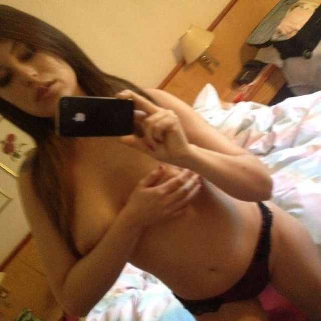 Сара Томмази фото на телефон