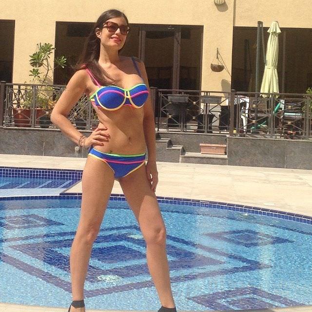 Сара Томмази фото в бикини в инстаграм