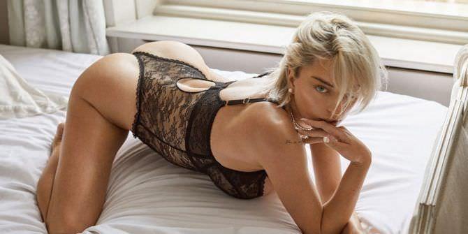 Кэролин Врилэнд фотосессия в кружевном нижнем белье