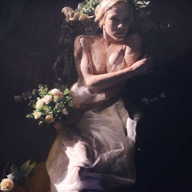 Алёна Михайлова фотография в воде в платье