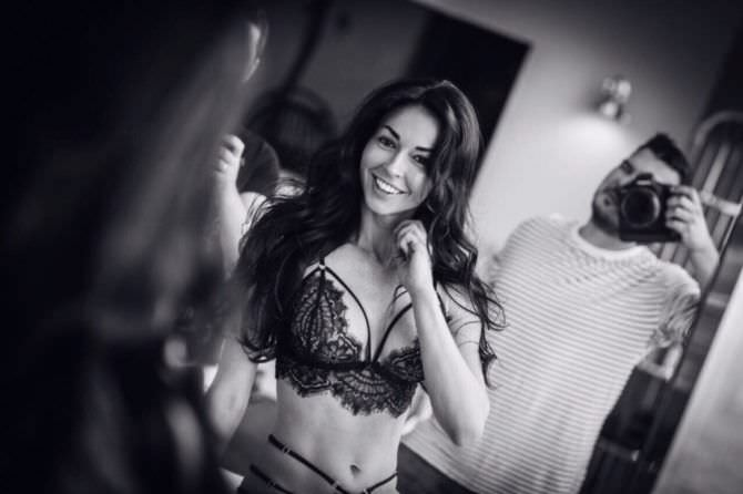 Анастасия Тукмачева чёрно-белое фото в белье