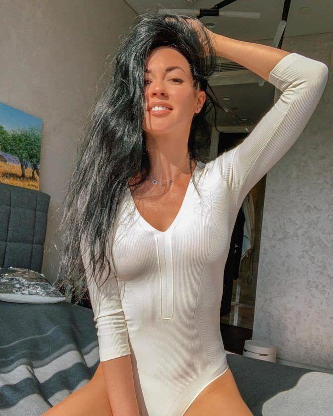 Анастасия Тукмачева фотография в белом боди