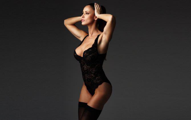 Люсия Яворчекова фотография в чёрном боди