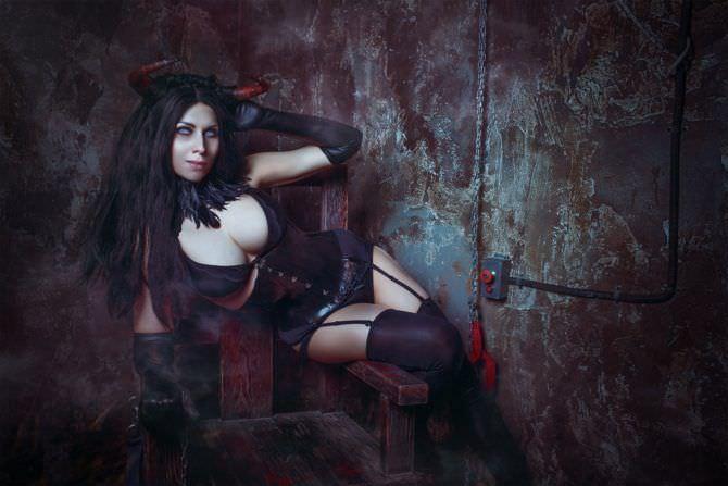 Елена Самко фотография в чулках и корсете