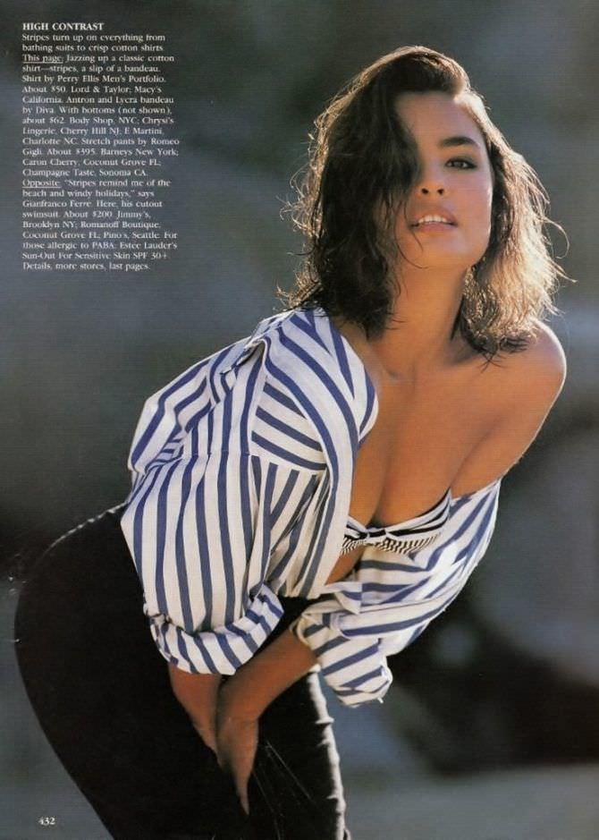 Талиса Сото фотография в полосатой рубашке