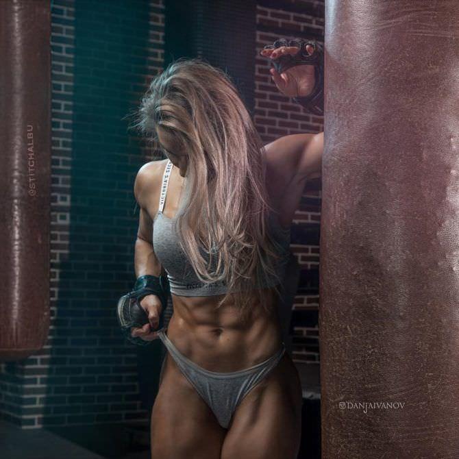 Александра Албу фото с боксёрскими мешками