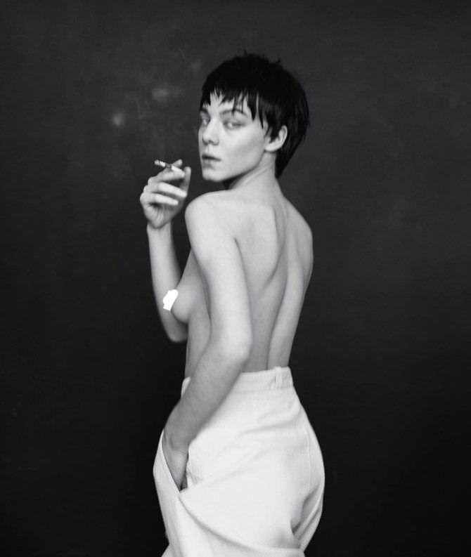 Алёна Михайлова фото с сигаретой