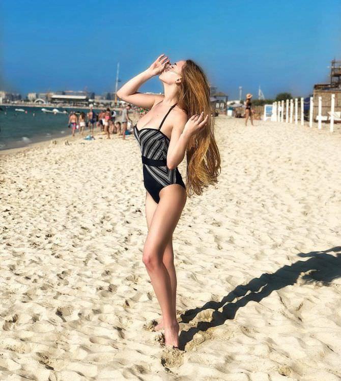 Оксана Невеселая фото на пляже в инстаграм