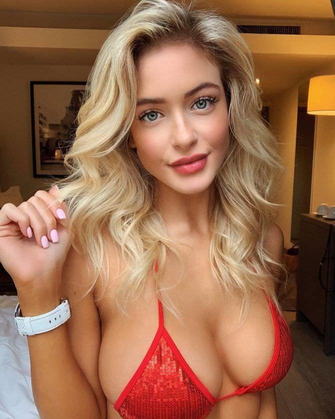 Ханна Палмер фото в маленьком красном бикини