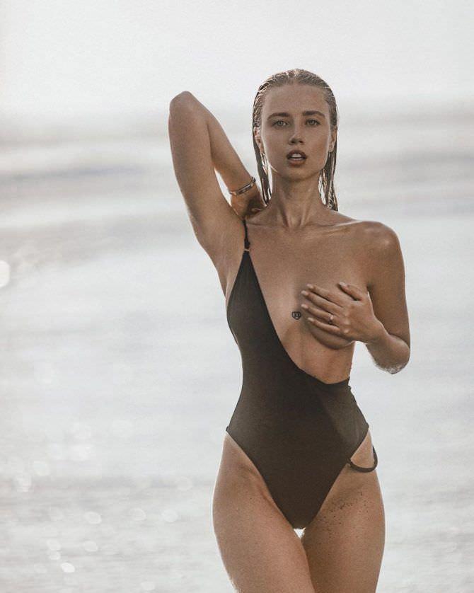 Полина Малиновская фото в купальнике