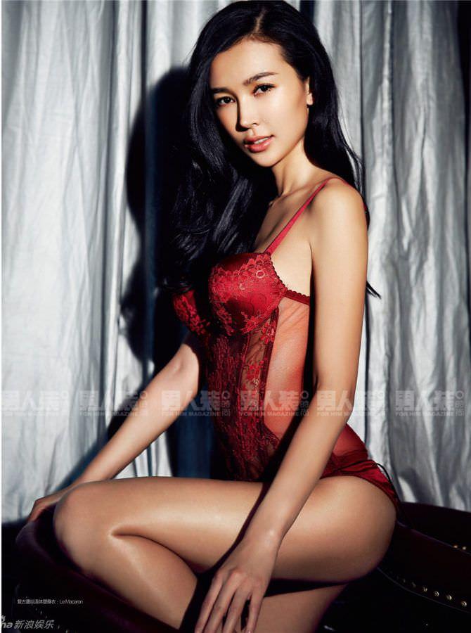 Яо Синтун фото в красном нижнем белье