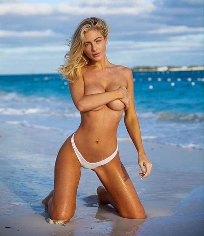 Ханна Палмер фото в белых плавках