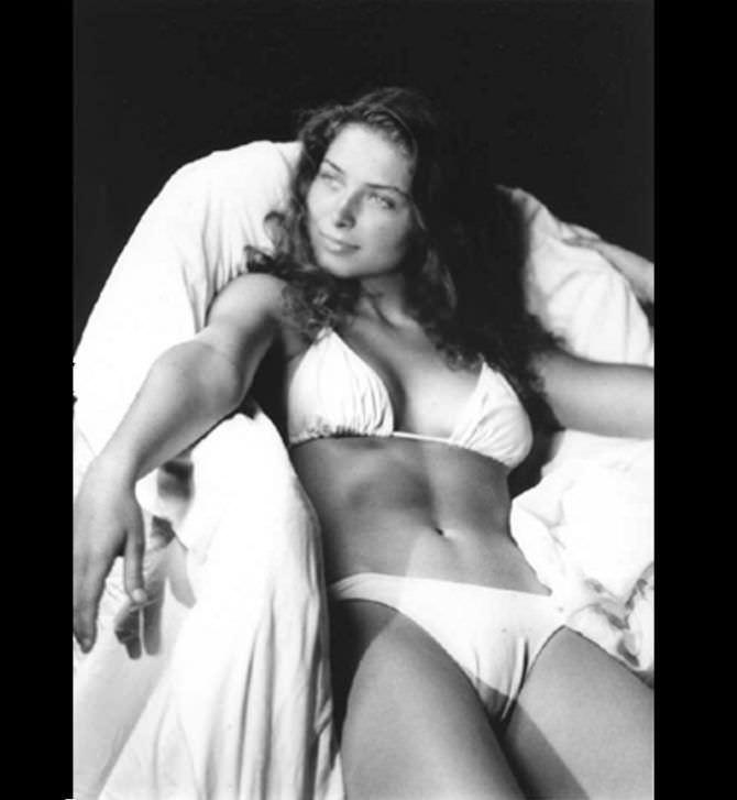 Марина Казанкова чёрно-белая фотография в купальнике