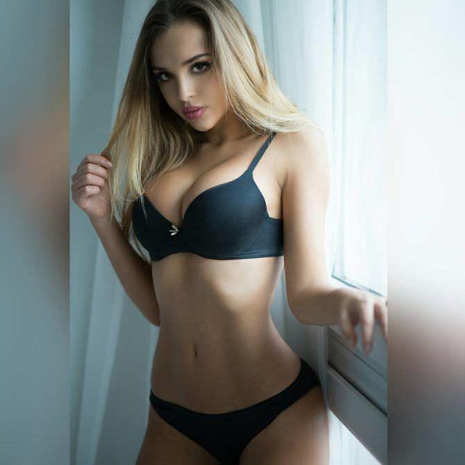Вероника Белик фотография в чёрном комплекте