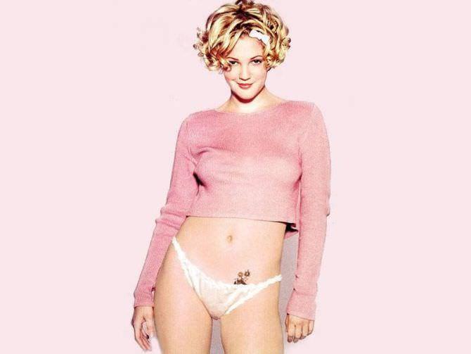 Дрю Бэрримор фото в розовом свитере