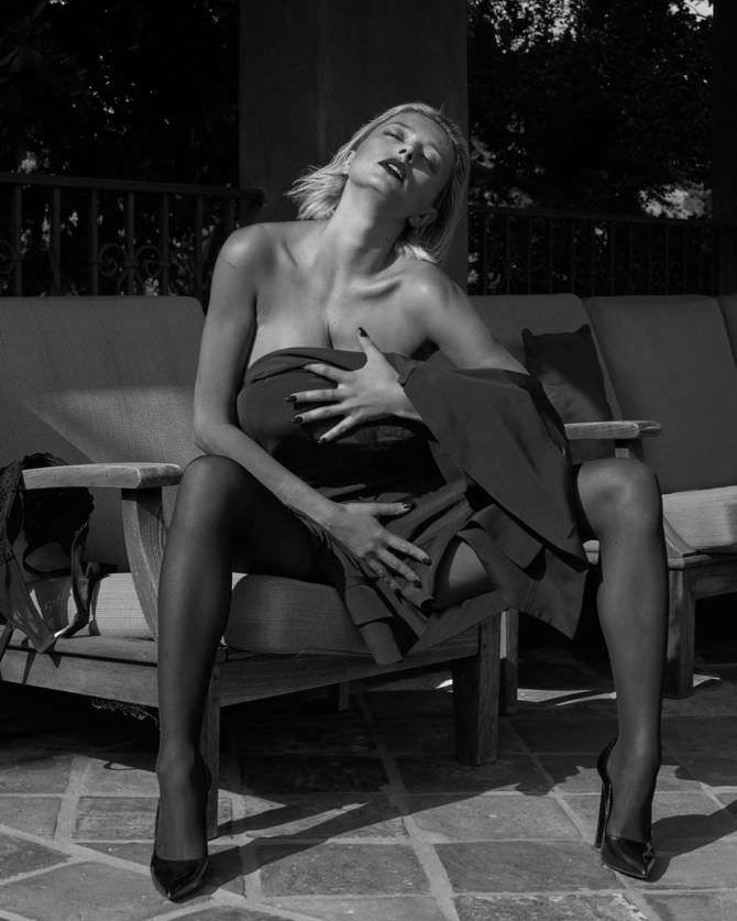 Кэролин Врилэнд чёрно-белое фото в инстаграм