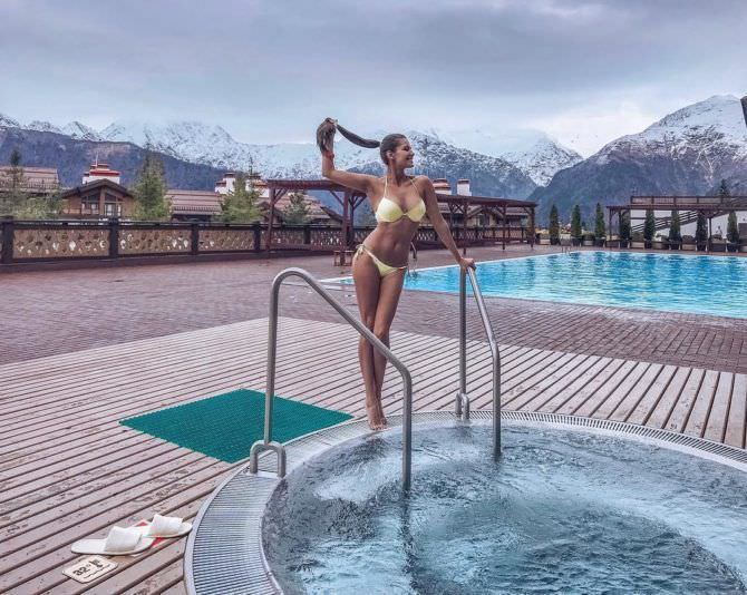 Татьяна Высоцкая фото у бассейна в инстаграм