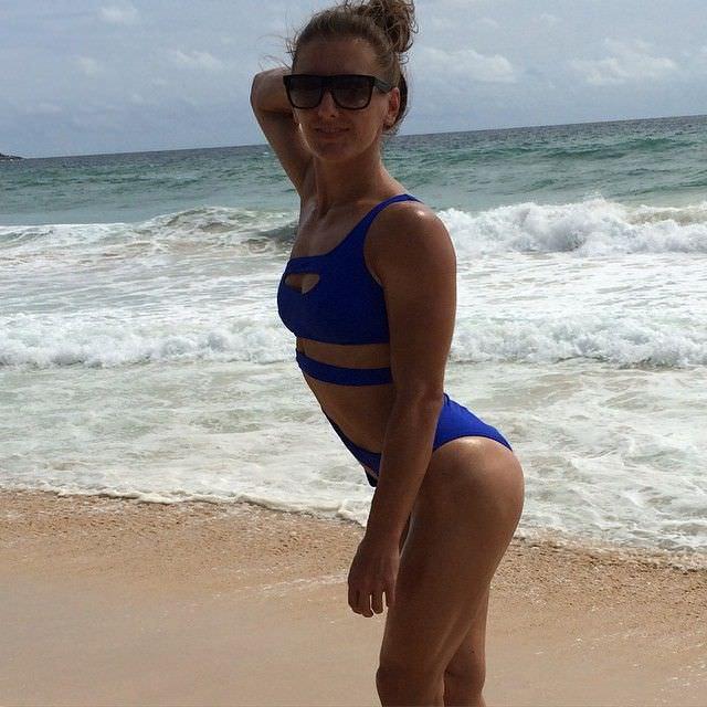 Александра Албу фотография в синем купальнике