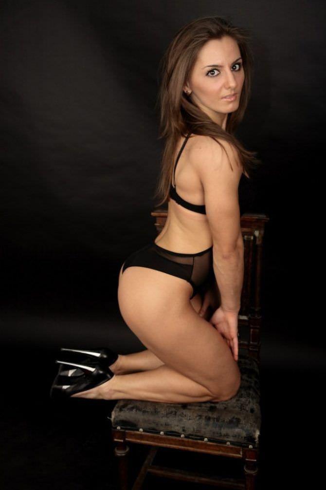 Александра Албу фотография в чёрном купальнике