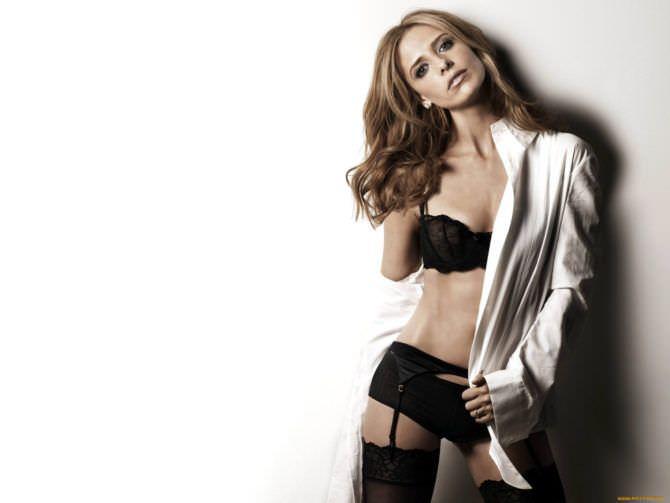 Сара Мишель Геллар фотография в белье и рубашке