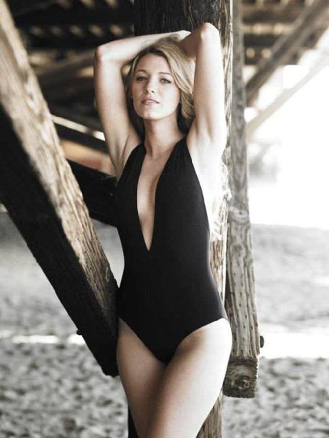 Блейк Лайвли фото в купальнике на пляже