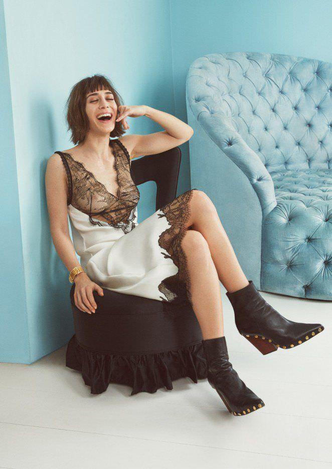 Лиззи Каплан фотография в кружевном платье