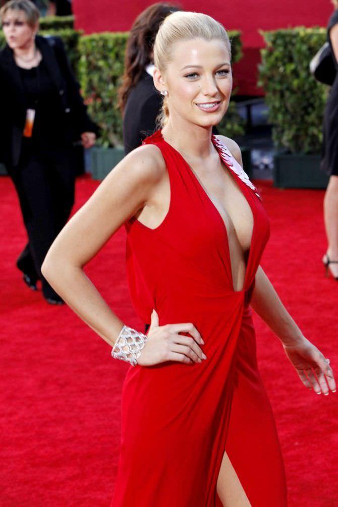Блейк Лайвли фото в красном платье