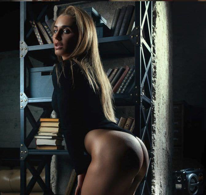 Александра Албу откровенное фото в белье