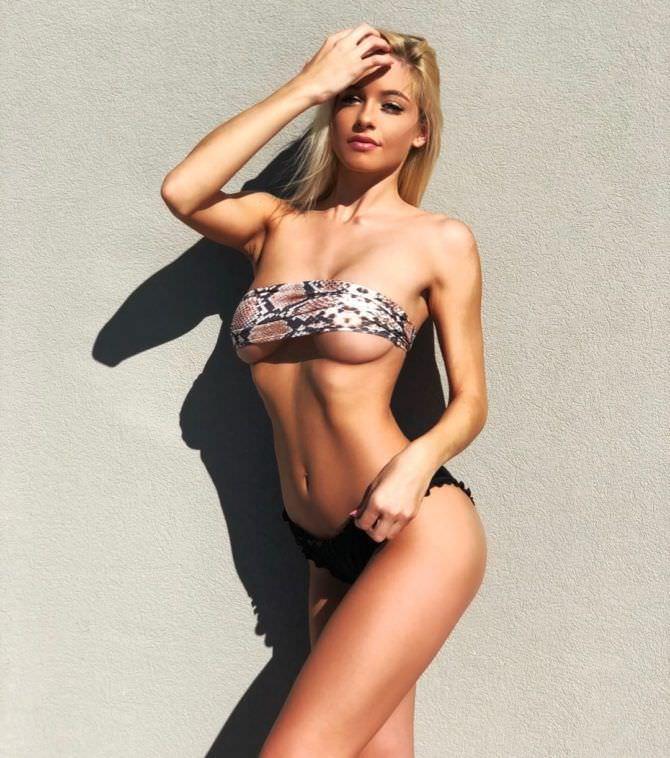 Ханна Палмер фото в бикини под змеиную кожу
