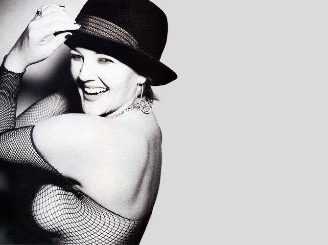 Дрю Бэрримор фотография в чёрной шляпе