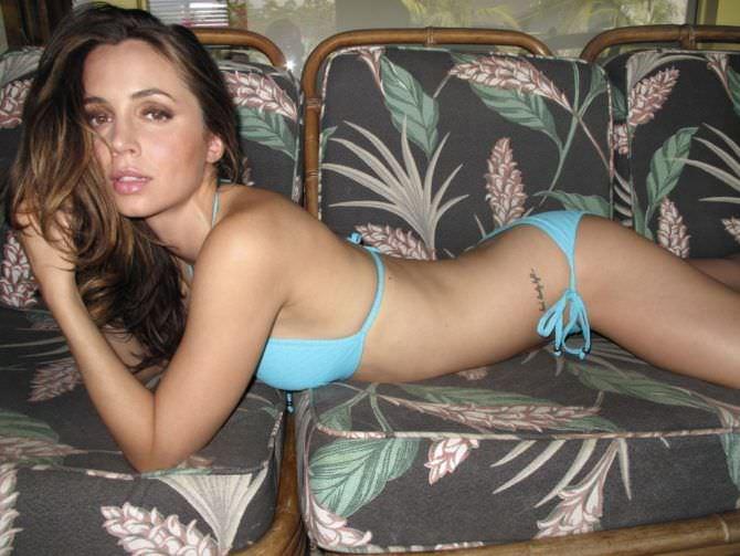 Элиза Душку фотография в голубом бикини