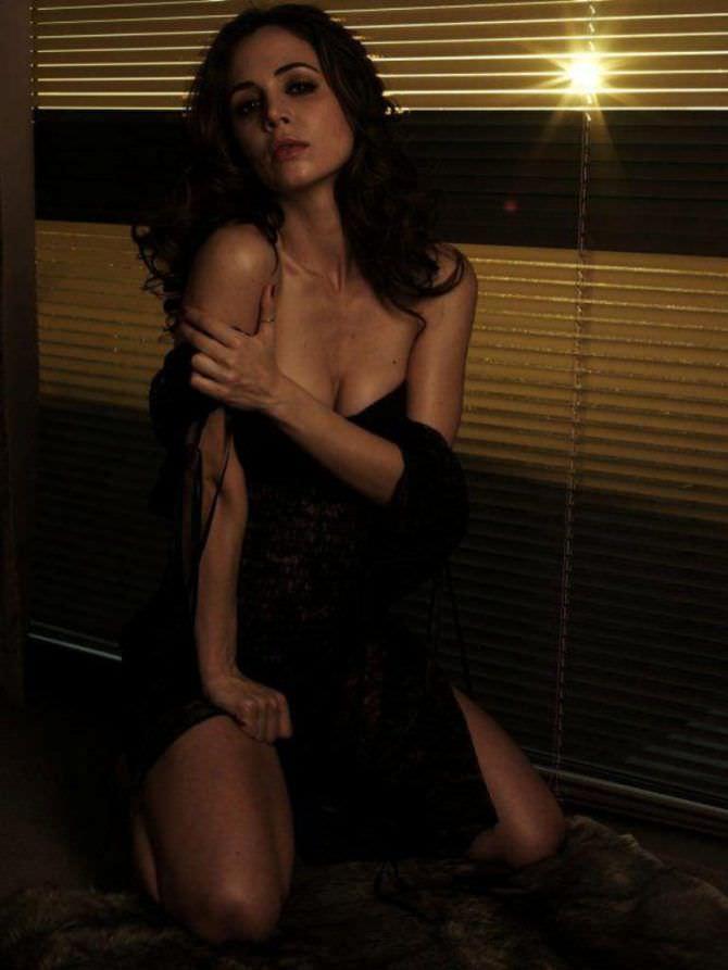 Элиза Душку фотосессия в журнале 2009