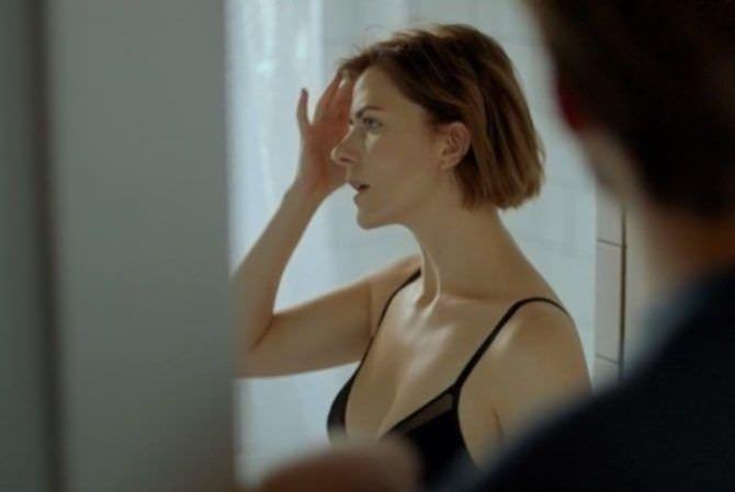 Евгения Громова кадр из фильма в нижнем белье